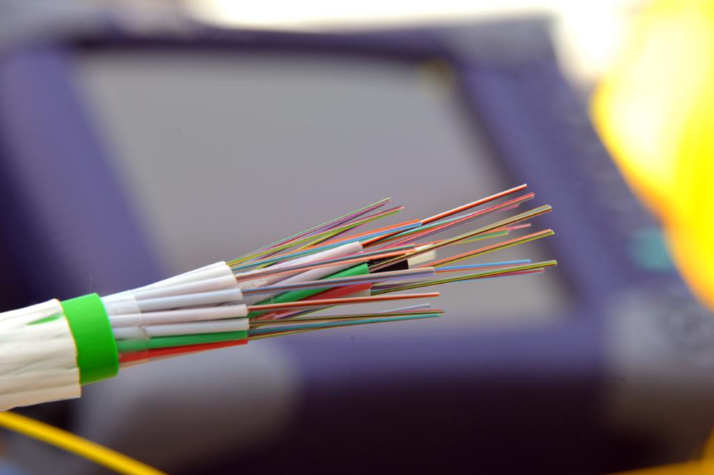 fibra-ottica-cavo-1024x681.png