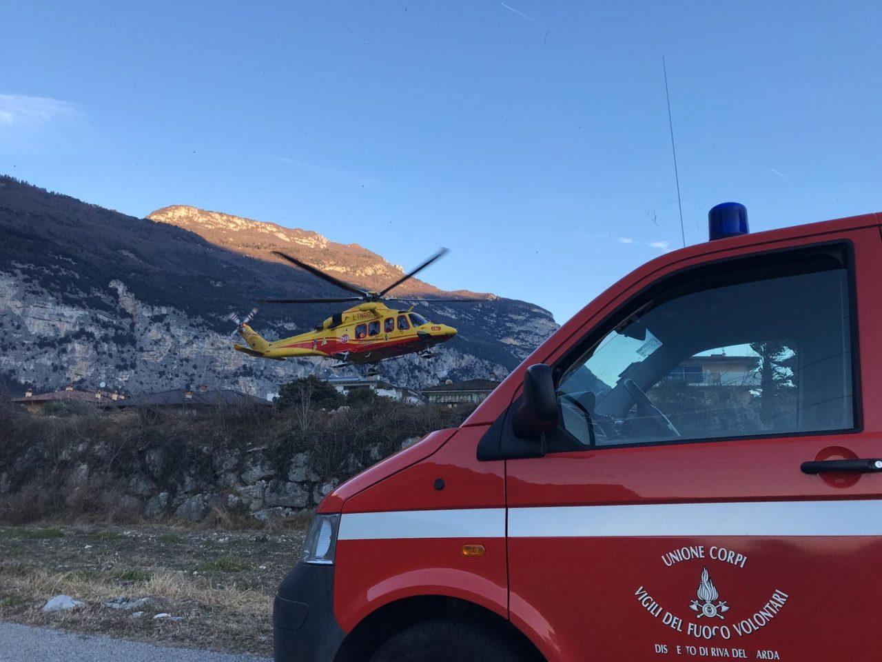 IMG-20200117-elicottero malore ceniga dro WA0006