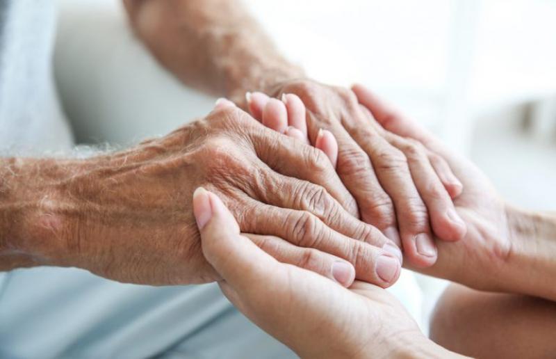 anziani assistenza cura