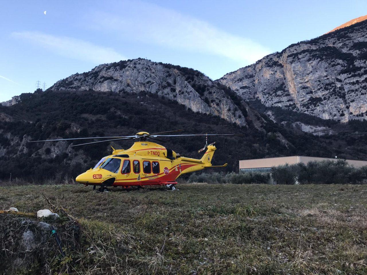 elicottero malore ceniga dro IMG-20200117-WA0004