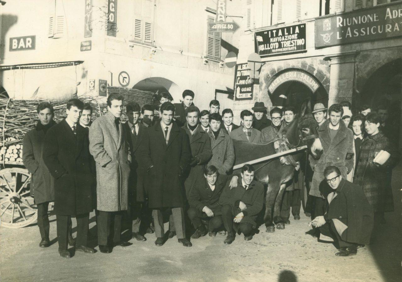 1960-CIRCA-PROTESTA-STUDENTI-RIVA-CORRIERE-CANOBBIO-1280x899.jpg