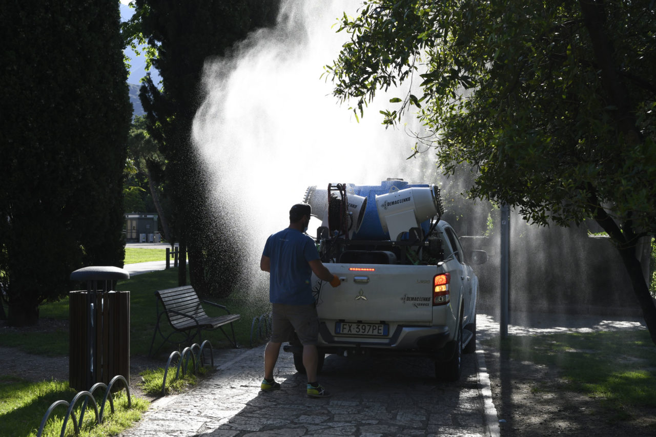Test a Riva del Garda: ecco come sanificare la spiaggia ...