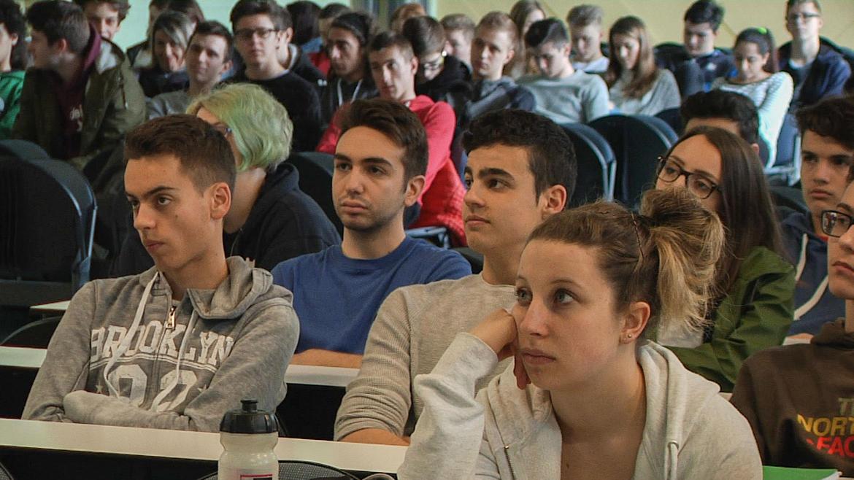 studenti-RAGA-AULA-MAGNA.jpg
