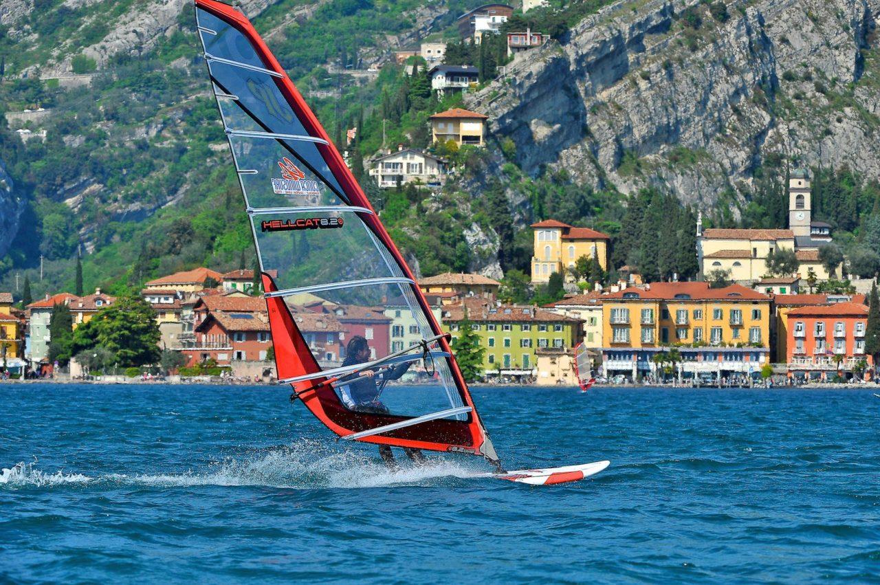 windsurf torbole 429_TerritorioGardaTrentinoRoberto_Vuilleumier
