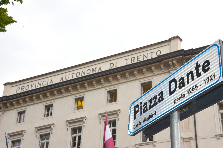 sede-palazzo-provincia-pat.jpg
