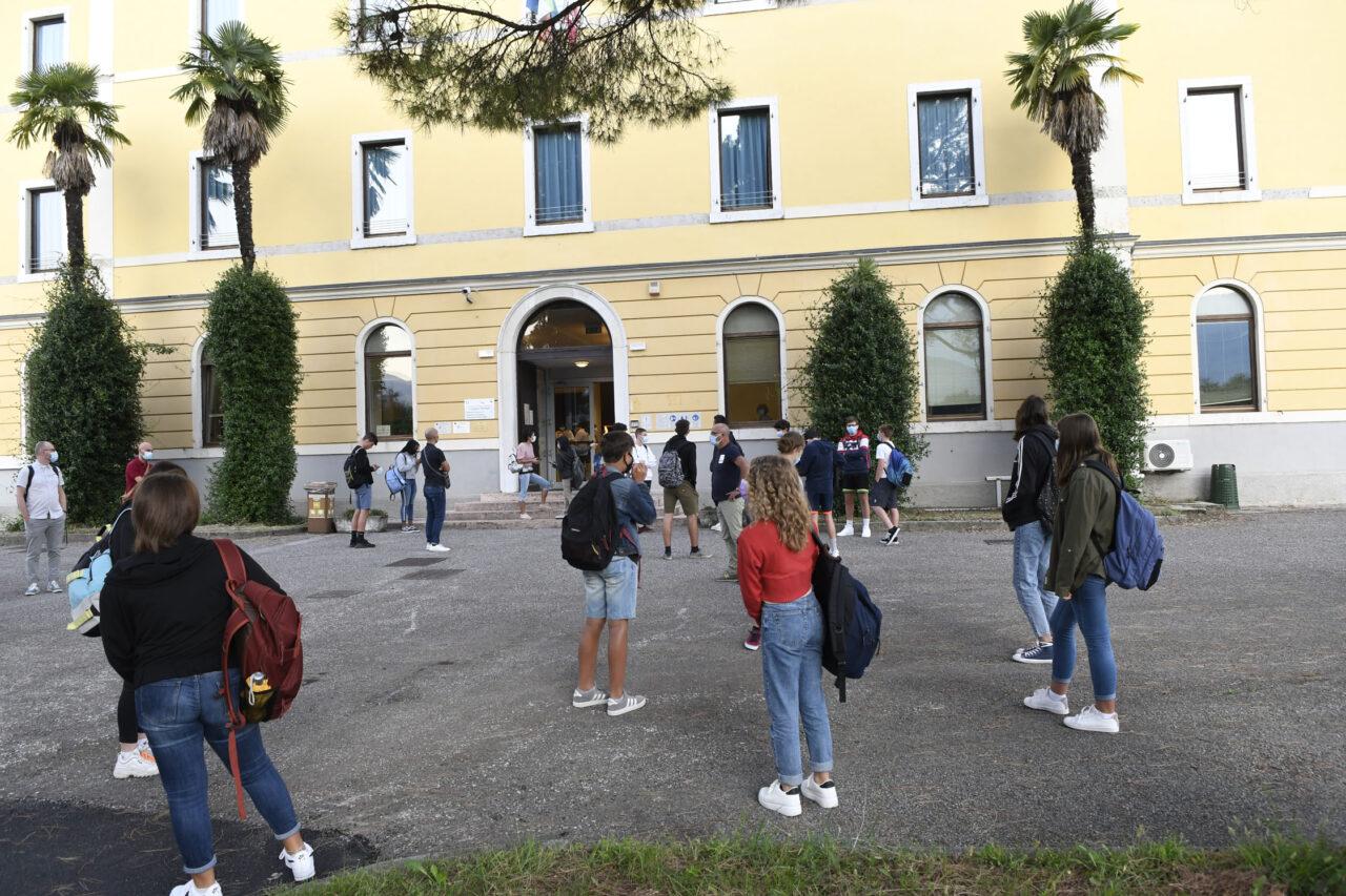 20200914_DSC1221 RIVA INGRESSI STUDENTI PRIMO GIORNO SCUOLA IST FLORIANI COVID