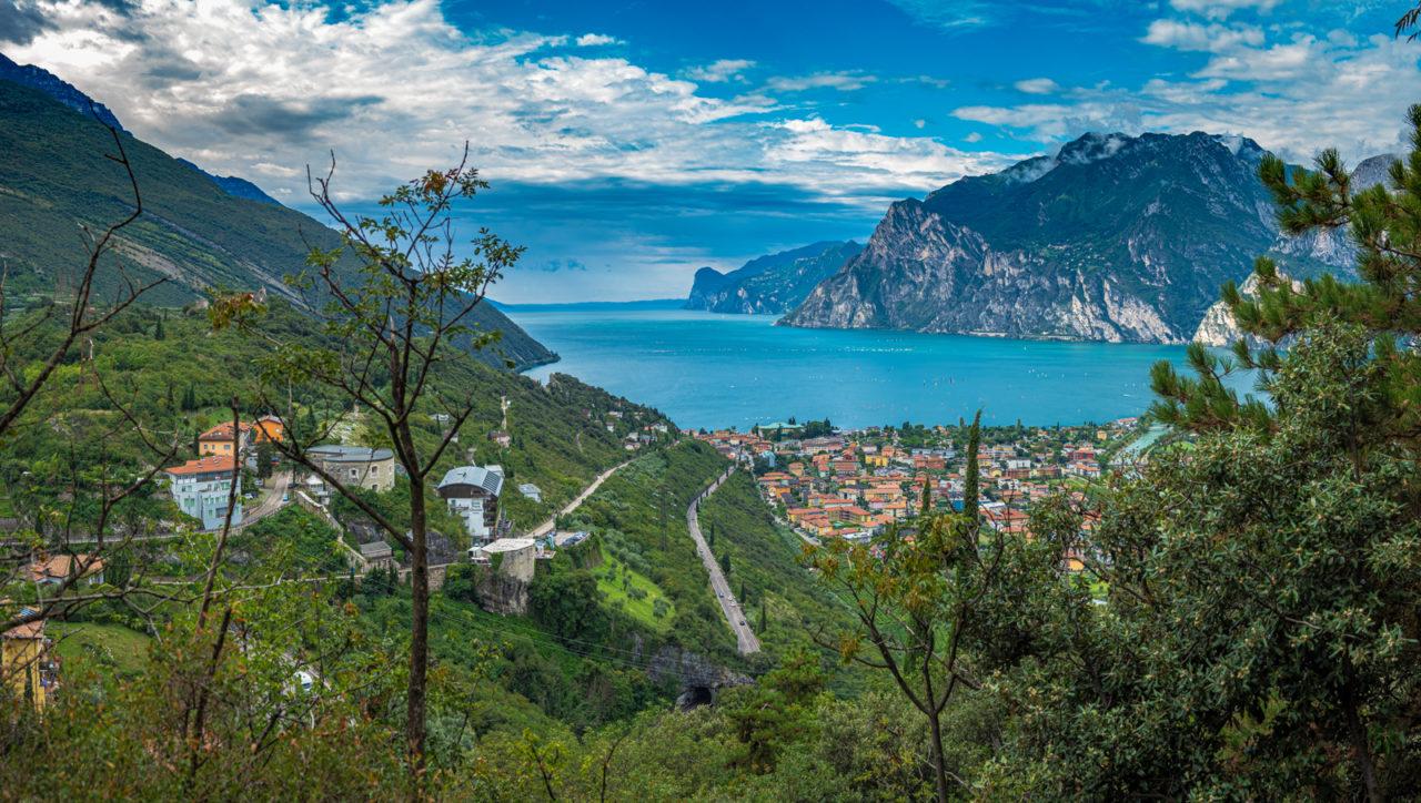 panorama-alto-garda-torbole_9020957-Pano_GiampaoloCalza_020920-1280x724.jpg