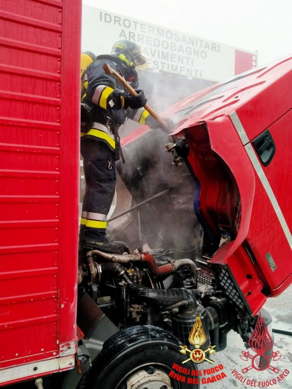 vigili del fuoco Camion01