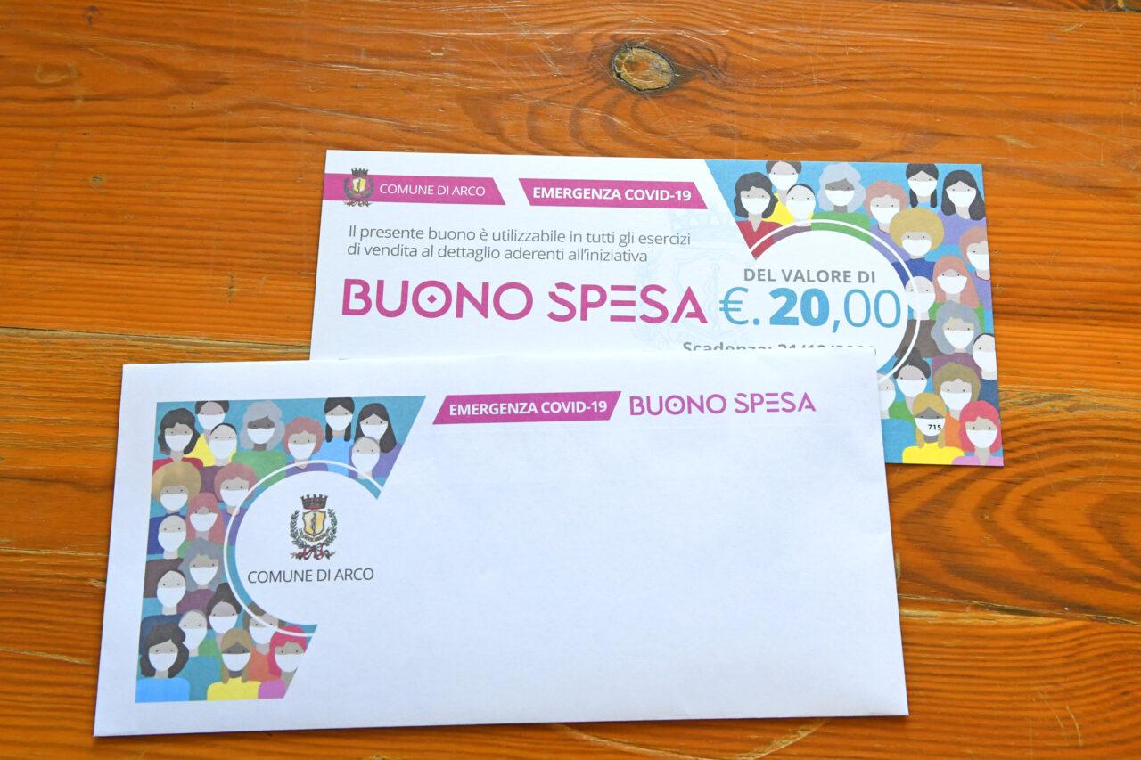 20201113_DSC6555-ARCO-PREPARAZIONE-BUONI-SPESA-20-EURO-COMUNE--1280x853.jpg