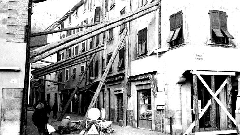 terremoto-riva-si1976__10-Copia.jpg