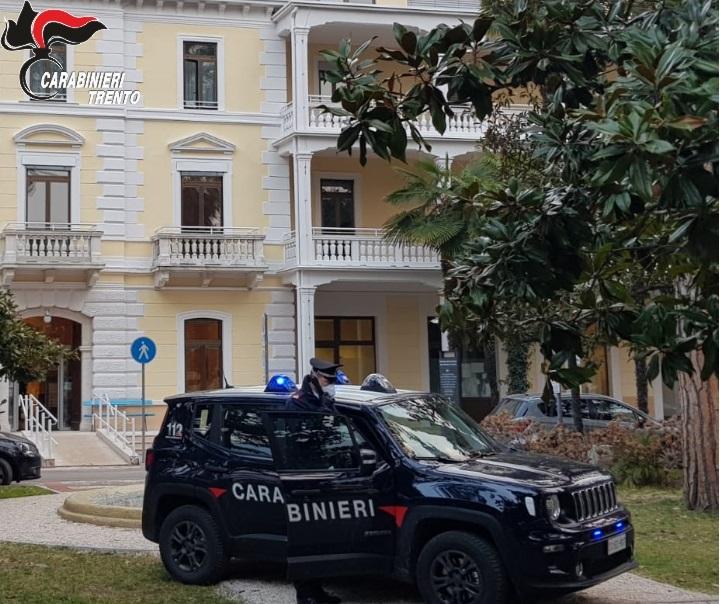 carabinieri arco palme Immagine