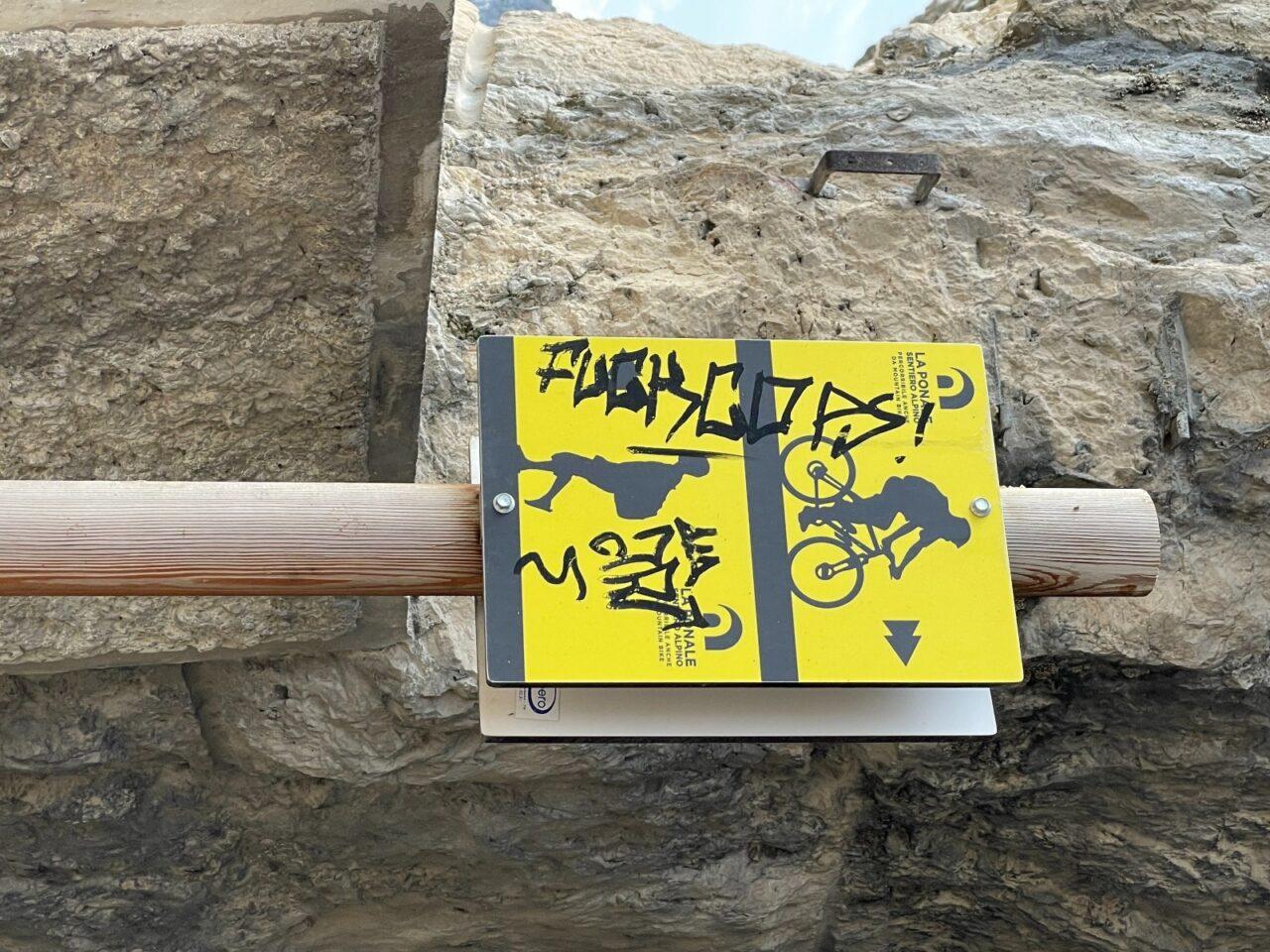 sctitte vandali ponale fraglia WA0009