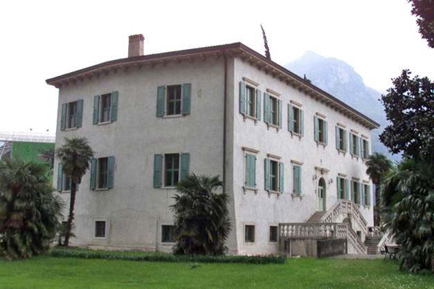 villa-althamer-arco.jpg