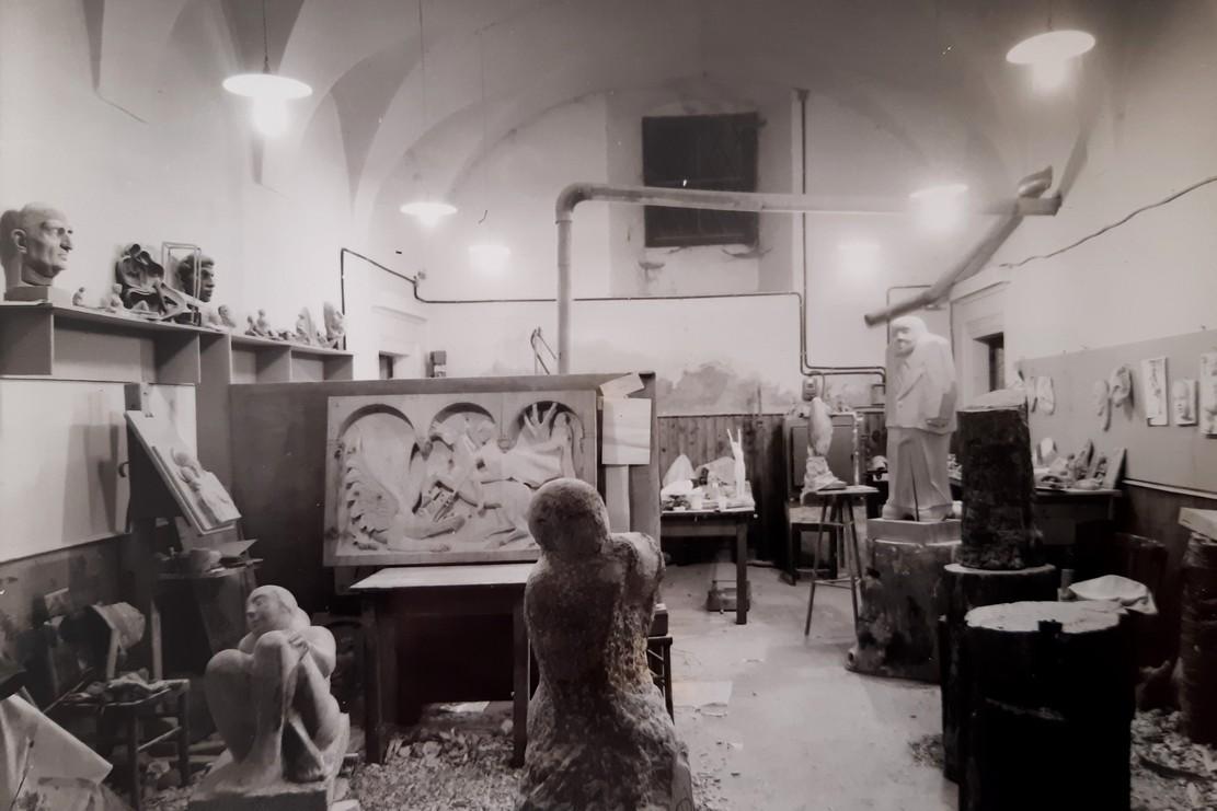 ARTI-VISIVE-laboratorio-scultura-palazzo-dei-panni.jpg