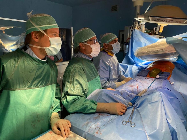 intervento-chirurgia-vascolare1_imagefullwide